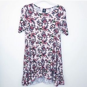 4/$25 Agnes and Dora NWOT Floral Ruffle Tunic XS